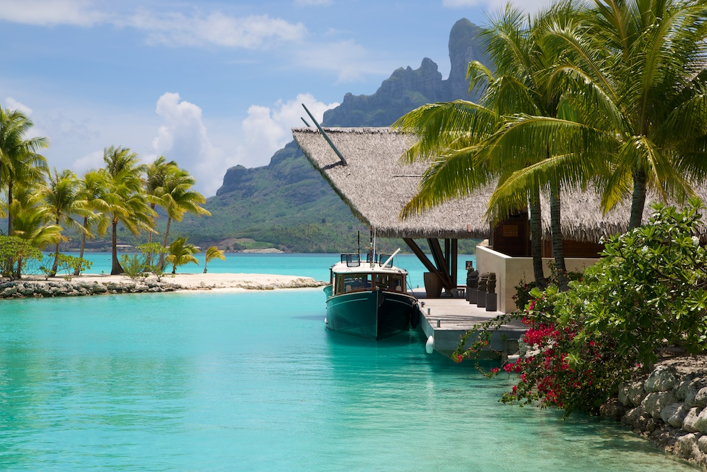 four-seasons-spread-bora-bora